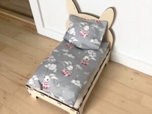 seng redt med sengetøj til kanin kopier